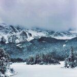 Eibsee im Winter und vereist Bayern Deutschland