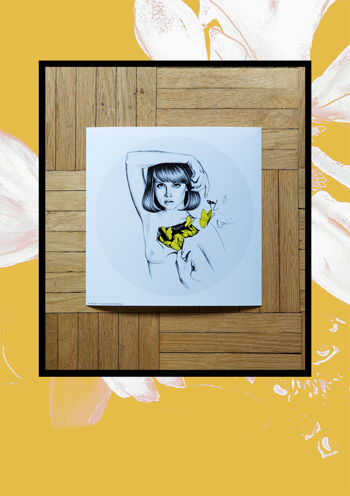 Posterlounge; Frau mit Schmetterlingen